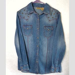 Wrangler Pearl Button up Jean shirt size medium